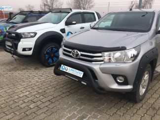 Toyota-Hilux-2015-STANDARD-LIGHT-rugged-black-frontbåge-extraljushållare-led-ljusbåge-extraljusbåge-extraljus-frontbågar-sverige-ab-svart-1